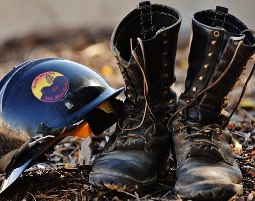 How Should Wildland Fire Boots Fit?