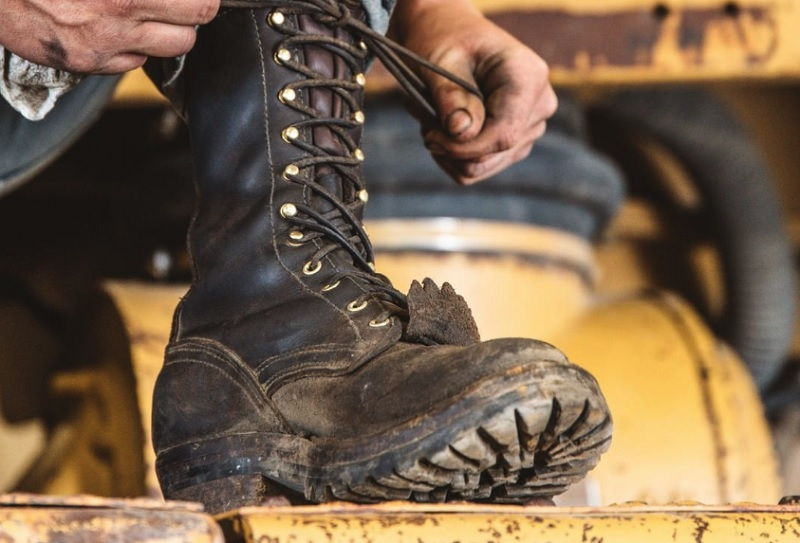 When You Should Opt For Composite Toe Boots