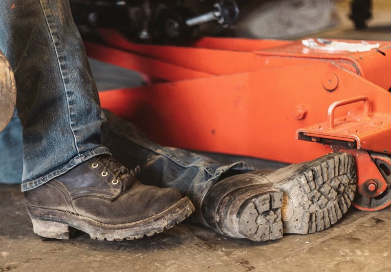 What Are The Best Steel Toe Boots? 3 Must-Haves When Getting Them