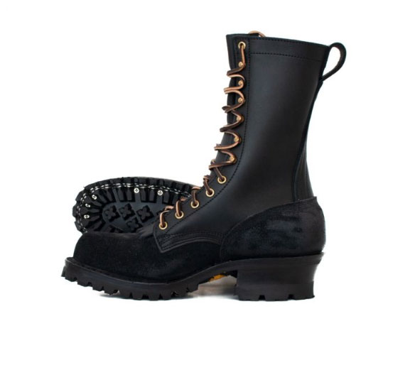 What Kind Of Boots Do Wildland Firefighters Wear?